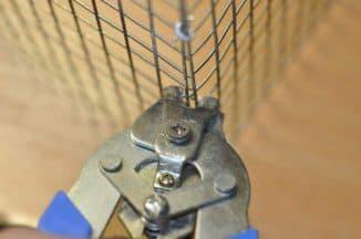 ручной скобообжимной инструмент для сборки клеток