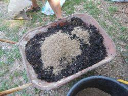 обработка почвы для посадки кустов