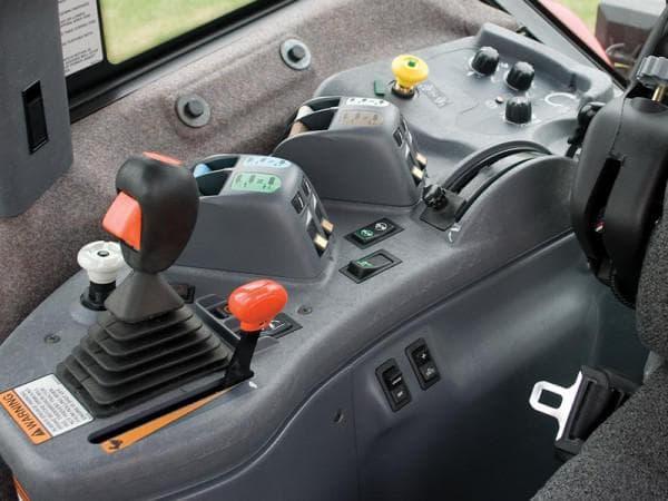трактор Бюллер панель управления