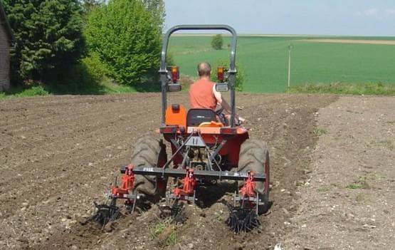 тракторный окучник для картофеля